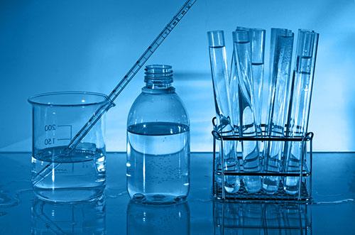 Два способа очистки септика: ферменты и химия